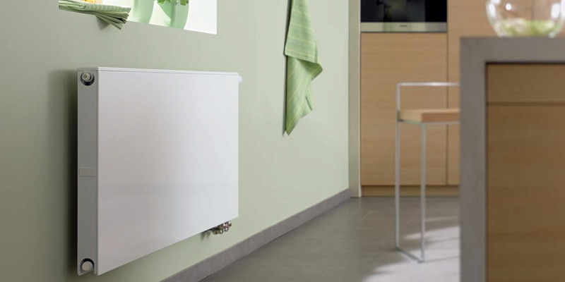 Гладкий вентильный радиатор Therm X2 Plan Ventil