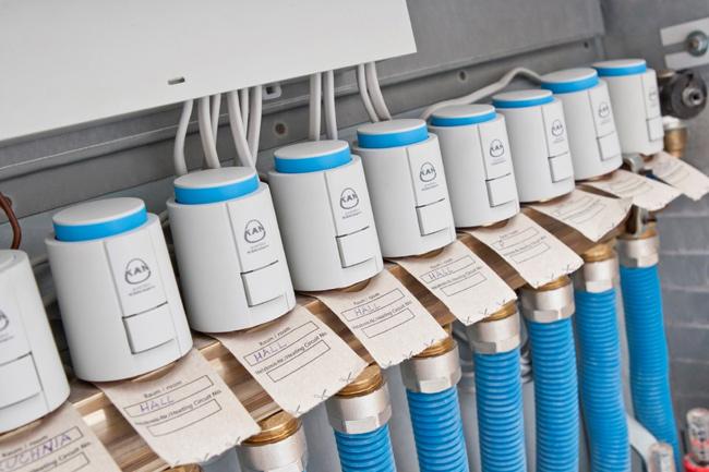 Управляющая автоматика для отопления и охлаждения от компании KAN