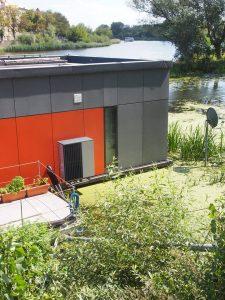 Дім на воді – незвичайний житловий будинок